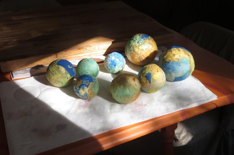 Handmade paper decorative spheres