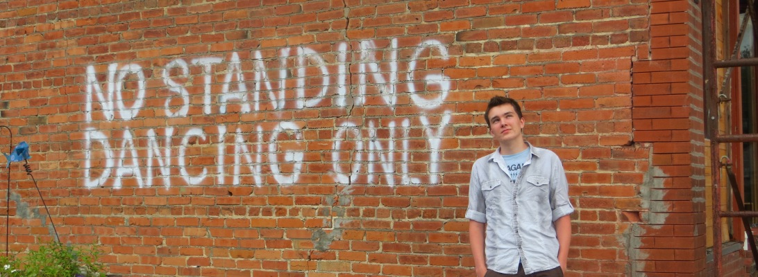 no standing - dancing only